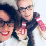 Emma e Alessandro con i nuovi rossetti